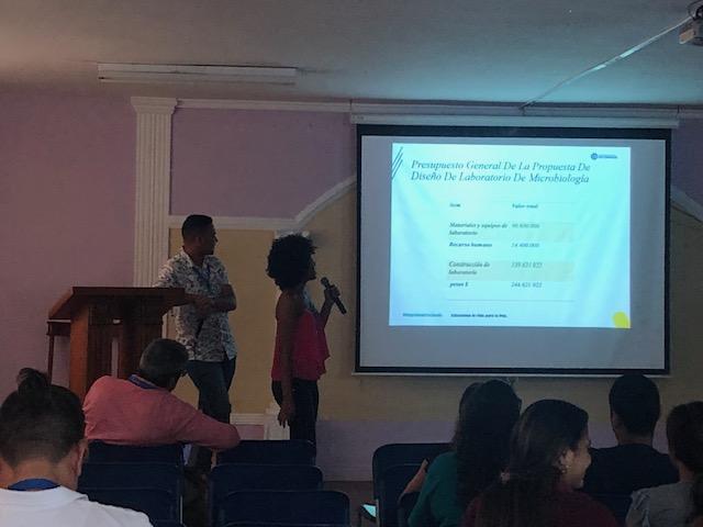 Estudiantes del Semillero SIGODS; quinto semestre de Ingeniería Ambiental.